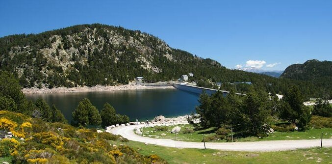 Bulloses bouilloses lake the beauty of the lakes pyrenees the lake dam of bouilloses or bulloses in catalan is a lake located in the region of capcir in southern france near font romeu this artificial dam was sciox Image collections